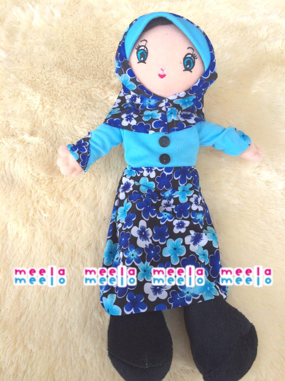 Boneka Muslimah Meela Meelo Biru Motif Bunga