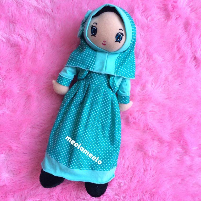Boneka Muslimah Meela Meelo Blue Polkadot
