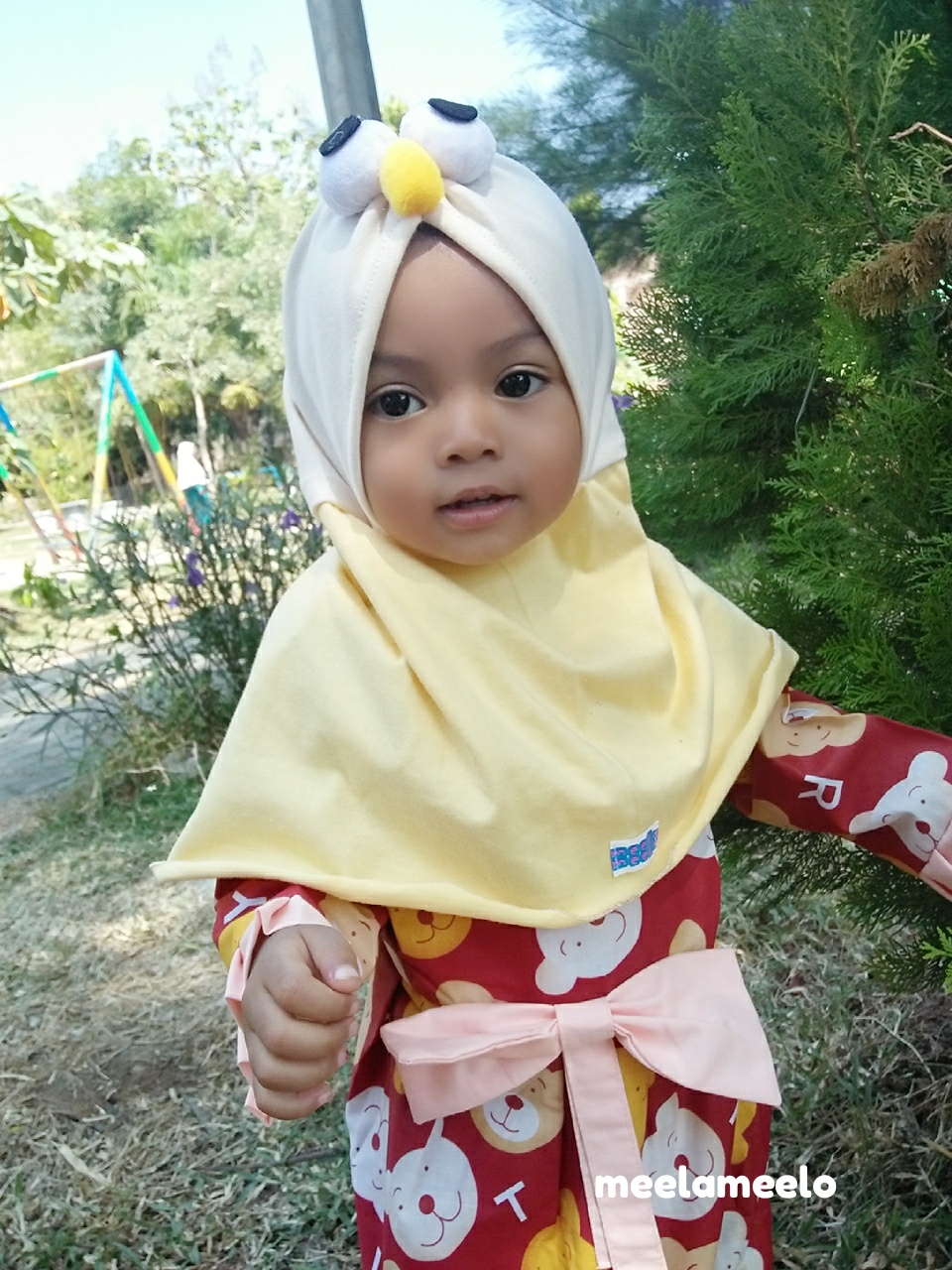 Jilbab Elmo in Yellow Unik dan Kekinian