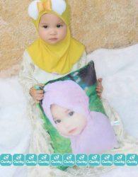 Paket Boneka Muslimah dan Bantal Print Kekinian