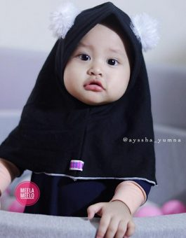 Pompom Hijab Anak in Black