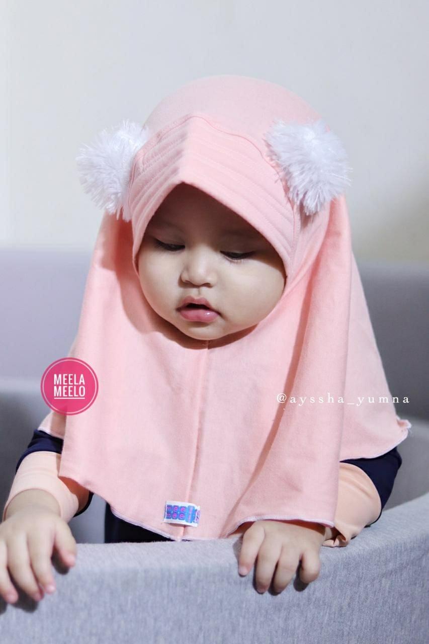 Pompom Hijab Anak in Peach