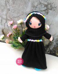 Boneka Eliza in Black