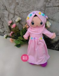 Boneka Eliza in Dusty Pink