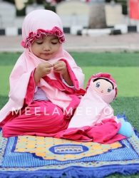 Paket Hemat Mukena Anak dan Boneka Muslimah