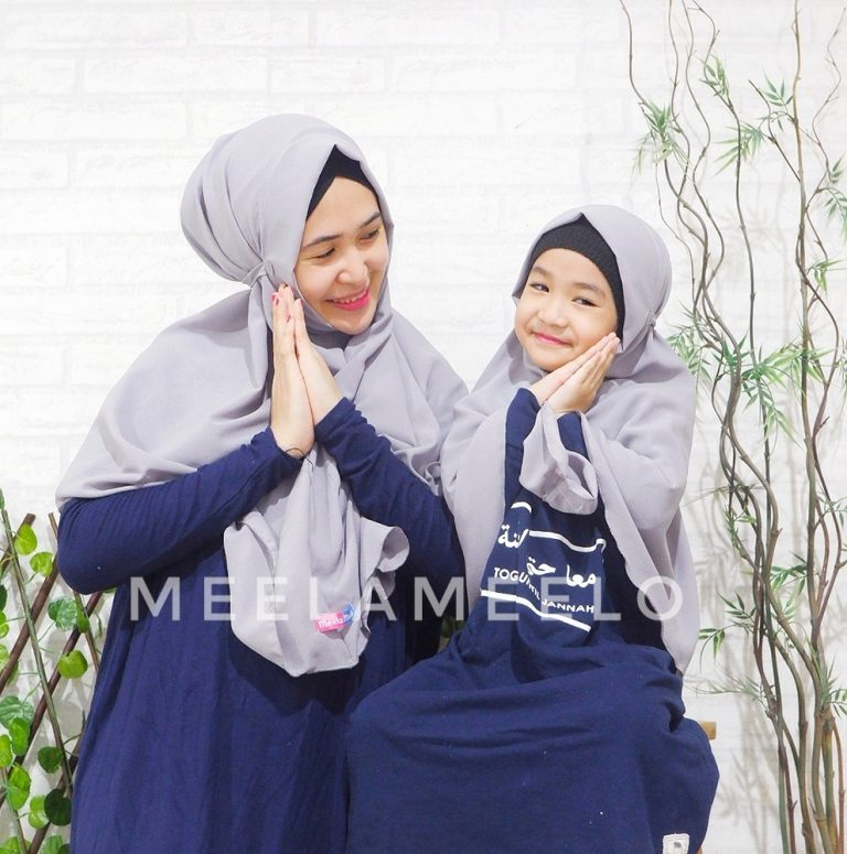 Jilbab Instan Couple Mom and Kids