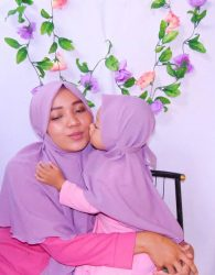 Jilbab Couple Mom and Kids in Purple